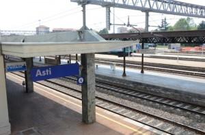 Stazione ferroviaria di Asti