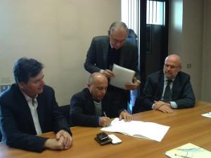 Luigi Barbero (Presidente dell'ATL di Alba), Gianni Crisafulli (Presidente ATL di Alessandria) e Mario Sacco - Vice Presidente di AstiTurismo - ATL presso lo studio notarile ad Alba