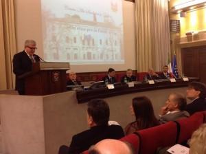 L'intervento dell'astigiano Gerardo Navazio. In prima fila tra il pubblico il Sindaco di Asti Brignolo