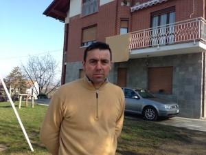 Michele Buoninconti davanti a casa