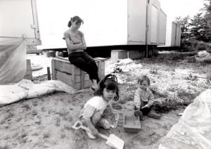una delle immagini di Annone in mostra: Vivere nei prefabbricati (Giulio Morra)