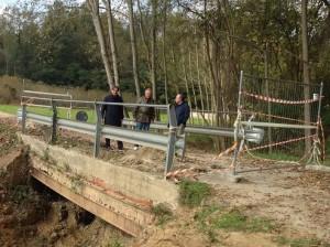 sopralluogo realizzato a fine ottobre sul ponte crollato con l' assessore Bianchino, il consigliere Viarengo e il sindaco Brignolo