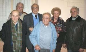 Lucio Tomalino con altri protagonisti o testimoni diretti del rastrellamento di 70 anni fa