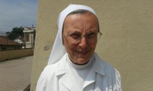 Suor Lina Strocco, figlia di Maria Ausiliatrice, responsabile dell'oratorio per la comunità religiosa  presente a Villafranca.