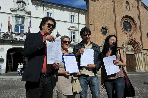 Oltre 1000 le firme per chiedere la chiusura del centro storico di Asti