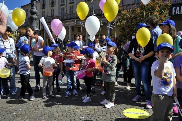 Tutte le immagini della festa del bambino di Asti