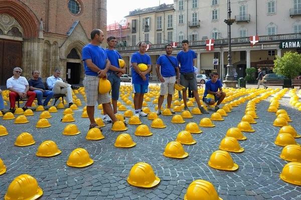 La fotogallery della manifestazione degli edili sabato ad Asti