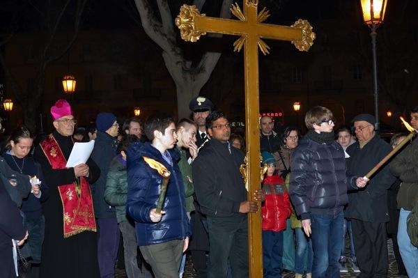 Volti e immagini dalla Via Crucis di Asti