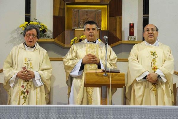 Alla parrocchia Nostra Signora di Lourdes don Paolo Lungo prende il posto di don Italo Francalanci