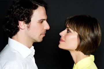 """Parole incatenate"": Claudia Pandolfi e Francesco Montanari a Teatro Alfieri"