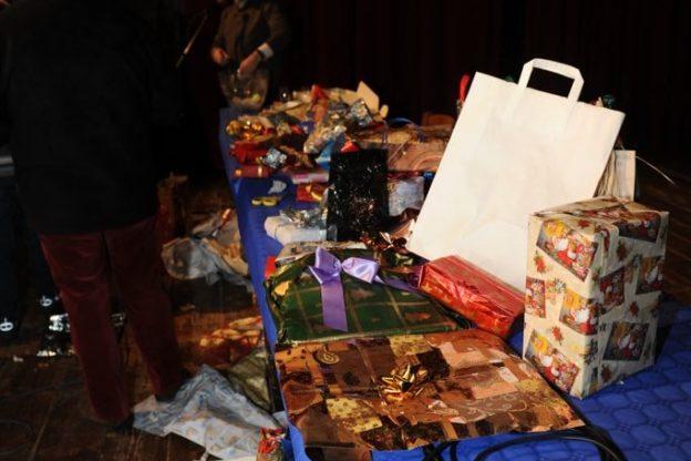 La top ten dei regali meno graditi: dai soprammobili ai casalinghi