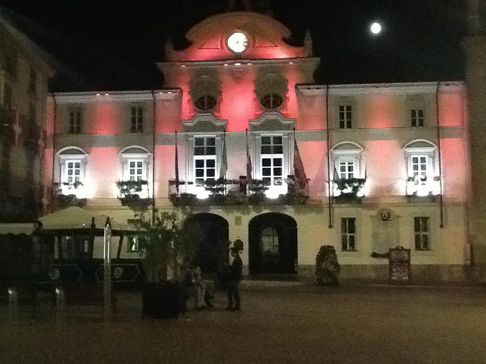 Con AEC domani, 17 novembre, il Municipio s'illumina di viola