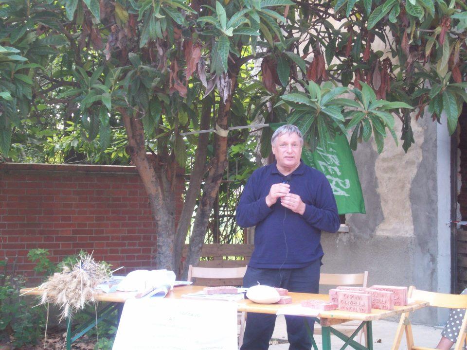 Don Ciotti all'inaugurazione del cantiere di Cascina Graziella