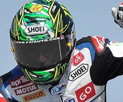 Il campione di Superbike Chaz Davies in tribuna al Palio di Asti