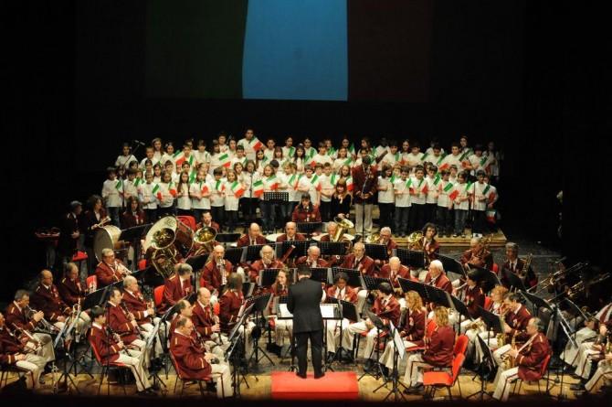 Concerto della Banda Cotti in piazza San Secondo