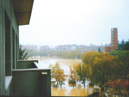 """""""Un capogiro d'acqua"""", rassegna itinerante a 20 anni dall'alluvione"""