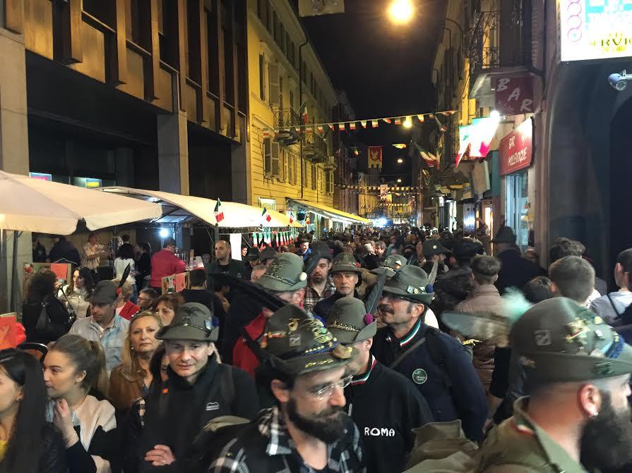 La prima grande notte dell'Adunata Nazionale degli Alpini di Asti