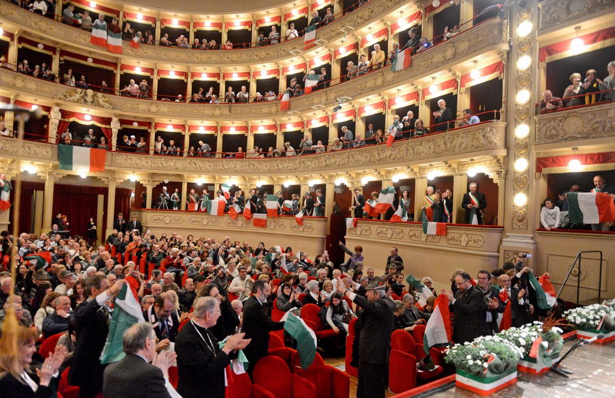Tripudio di musica e tricolori per i 155 anni  dell'Unità d'Italia