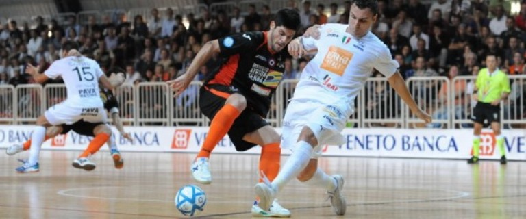Calcio a cinque: l'Asti Orange resiste con la Luparense e pareggia 5 a 5