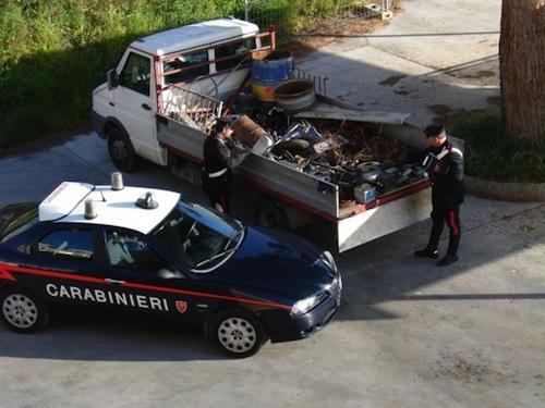 Raccoglitori abusivi di rifiuti denunciati dai carabinieri di Alba