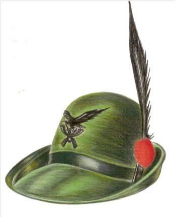 Nonno Marziano cerca il suo cappello perso nell'Adunata degli Alpini di Asti