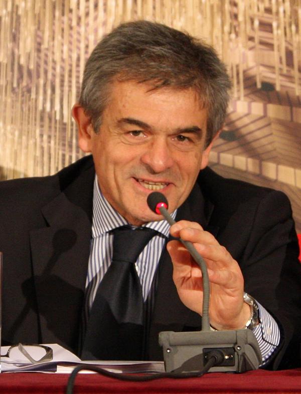 """Chiamparino: """"Per la Regione Piemonte un 2015 positivo"""""""