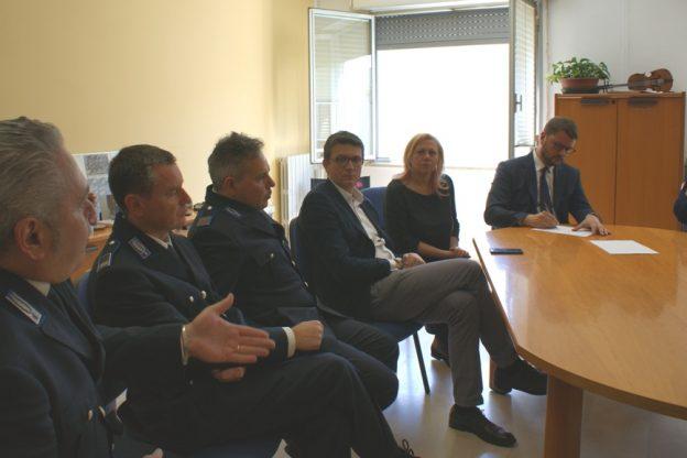 Il sottosegretario al Ministero della Giustizia Gennaro Migliore in visita al carcere di Quarto