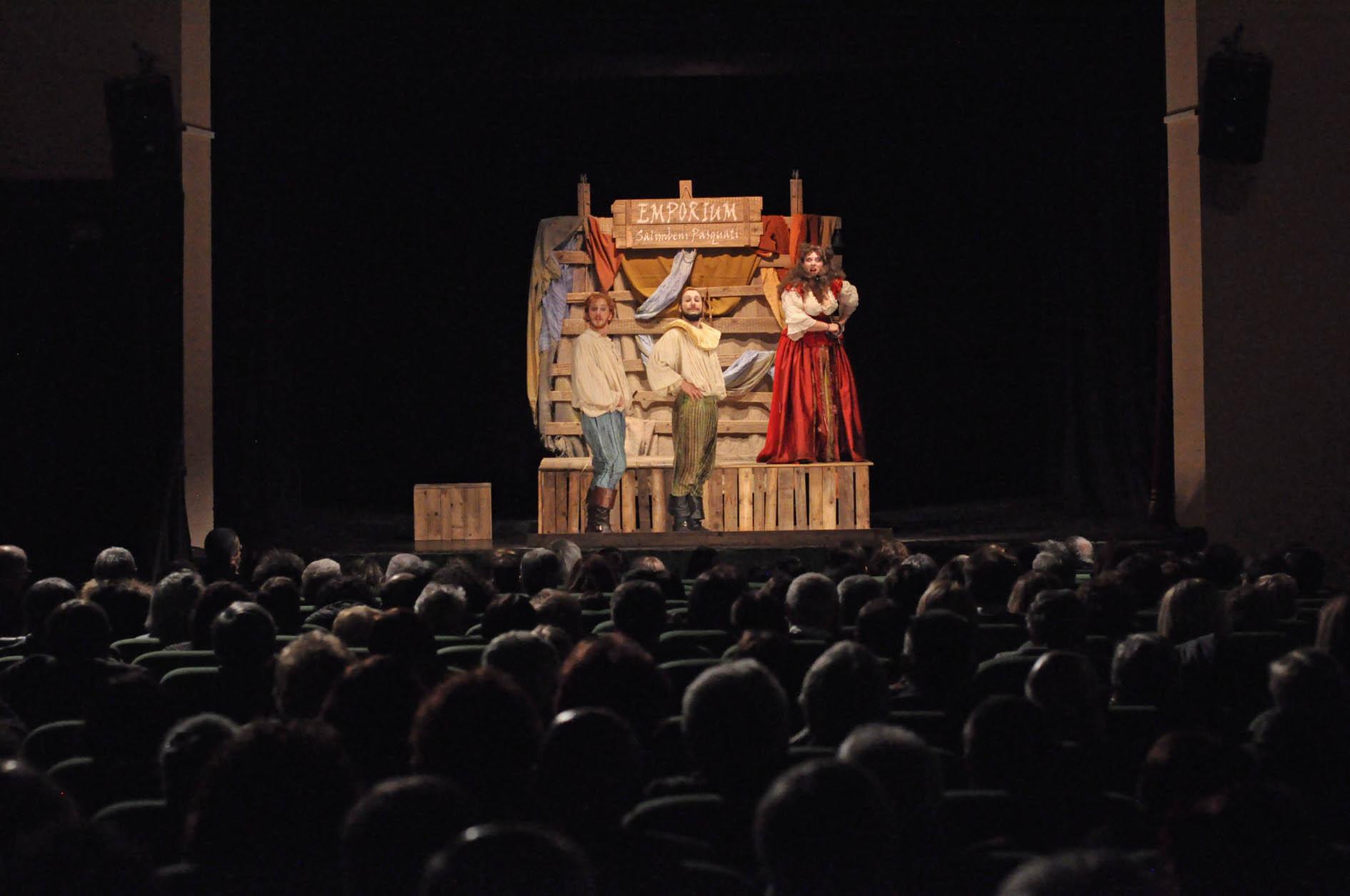 A Costigliole è piaciuto il Capodanno a teatro