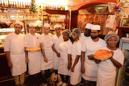 Corso da aspiranti pizzaioli per richiedenti asilo
