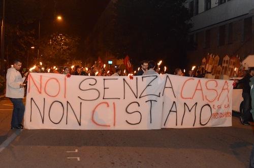 Sfratti Zero: immagini e foto della manifestazione sul diritto all'abitare