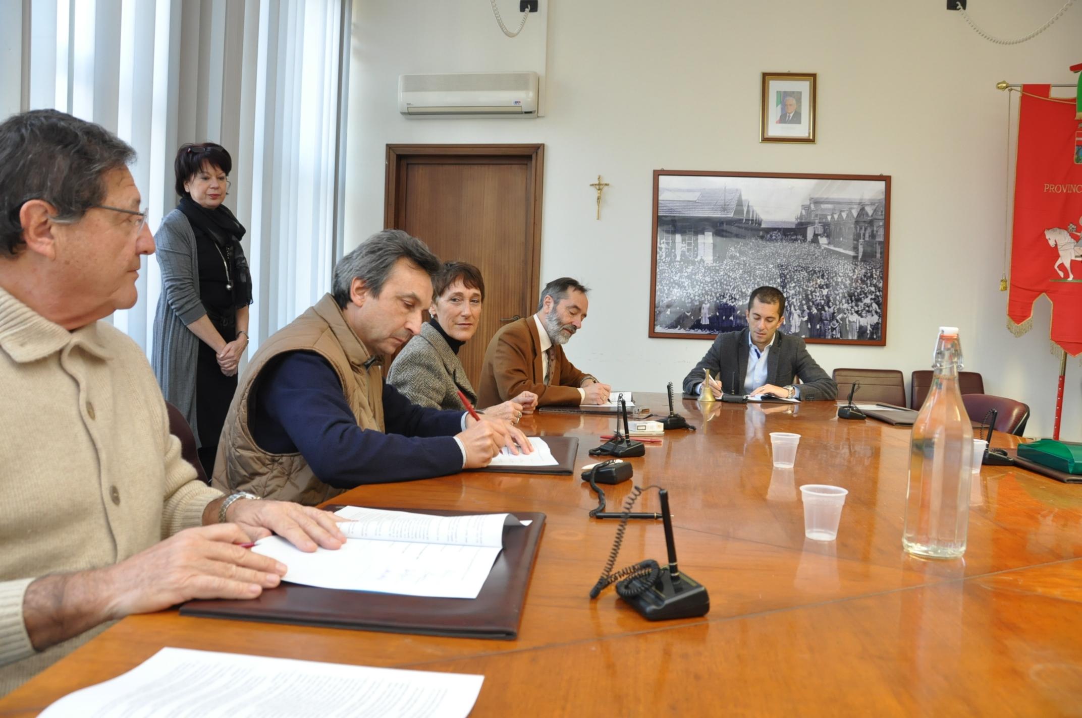 Firmato il protocollo d'intesa per il recupero dell'area di discarica di Cerro Tanaro
