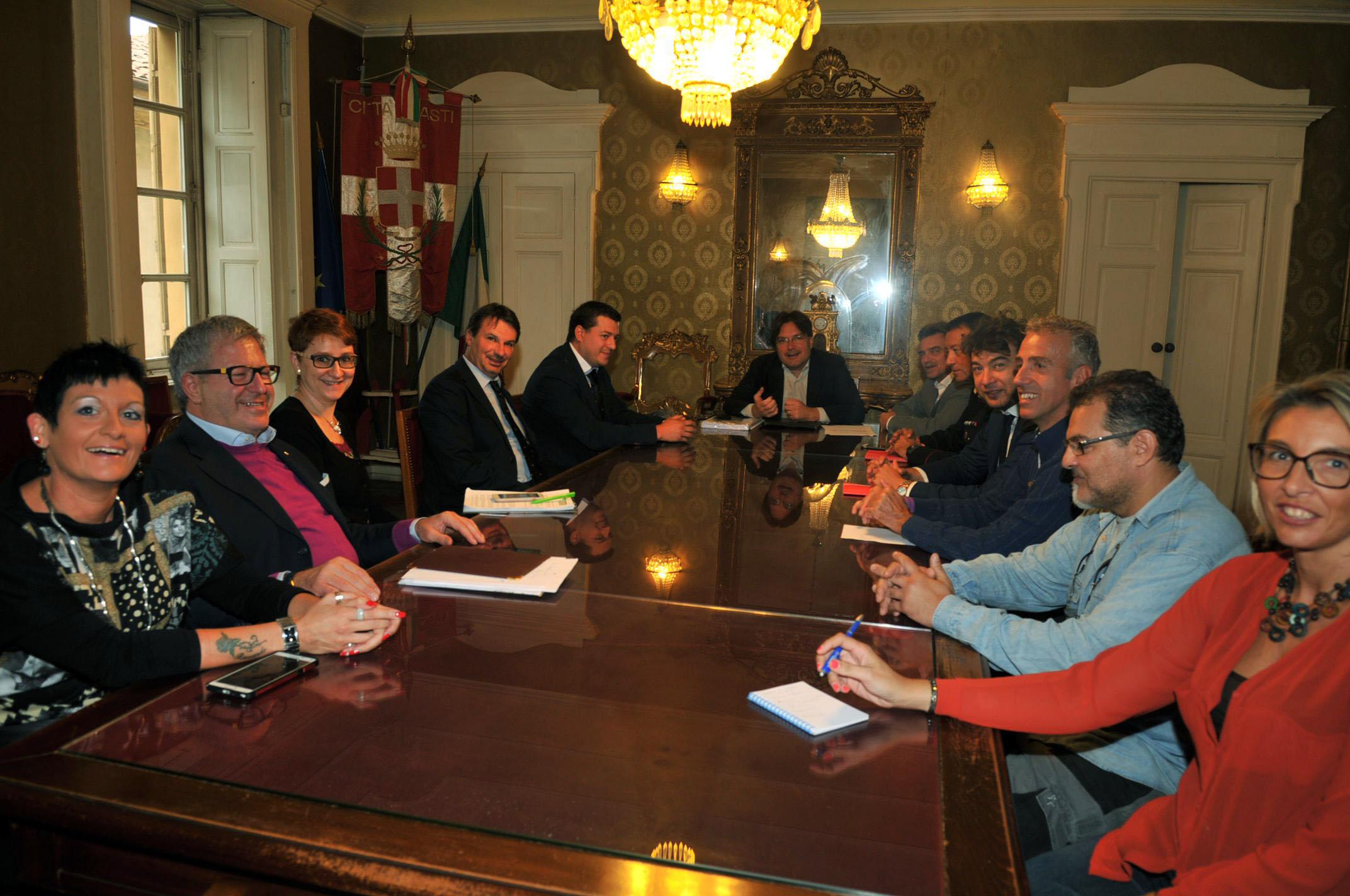 Censimento delle telecamere private e videosorveglianza condominiale: incontro tra sindaco di Asti, installatori e amministratori di condominio