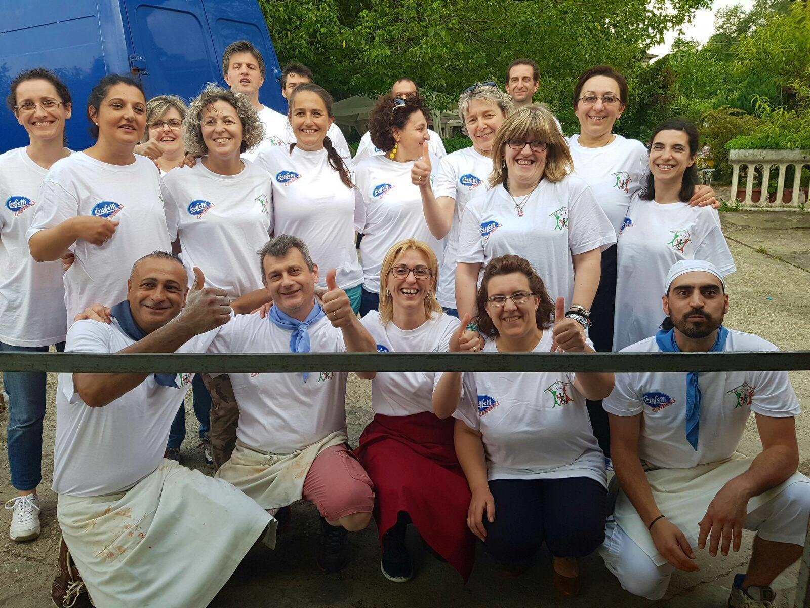 Grande festa dei bimbi della scuola di San Marzano Oliveto da Carussin: raccolti 4 mila euro per le lavagne multimediali