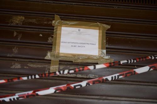 Riaperta da ieri la tabaccheria di corso Volta, teatro dell'omicidio Fassi