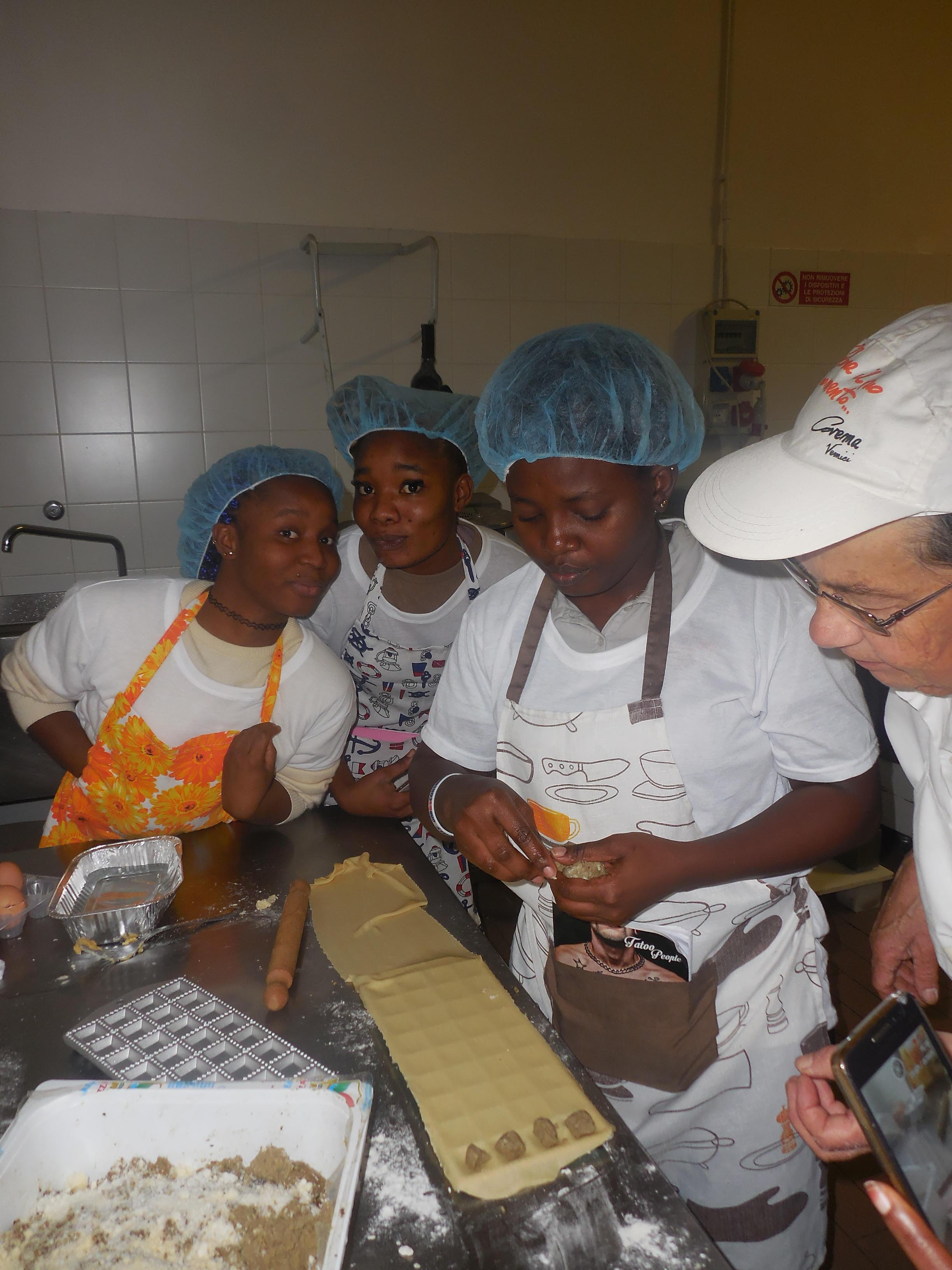 Giornata finale del laboratorio occupazionale per aiuto cuoche organizzato da Piam e Al Volo srl