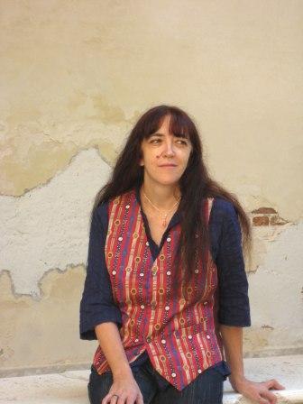 Il vino e il suo mondo nel nuovo testo teatrale di Laura Pariani in scena a Portacomaro d'Asti