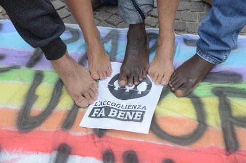 Anche ad Asti la marcia delle donne e degli uomini scalzi