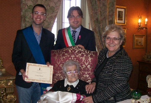 Maria Costa spegne 100 candeline: nuova patriarca dell'Astigiano