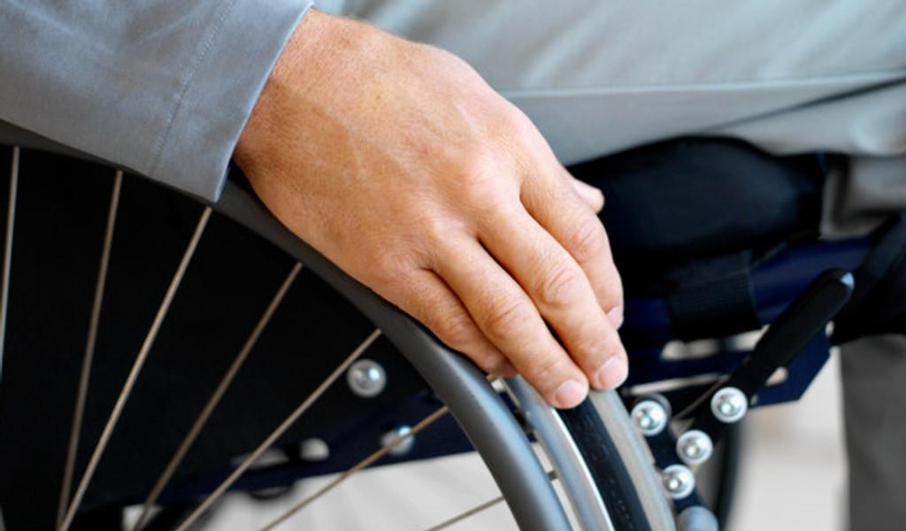 Asti: l'ampliamento dei dehor e la tutela di cittadini ciechi e con disabilità motorie