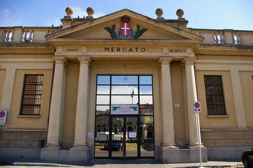 Asti, bando per l'assegnazione degli stalli vuoti al Mercato Coperto