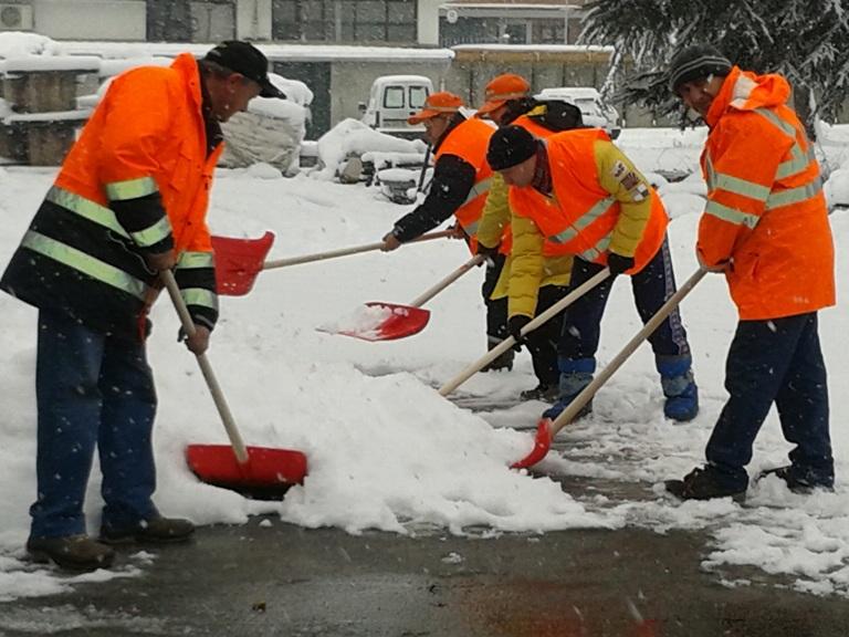 Ad Asti funziona il piano neve, martedì 12 febbraio scuole chiuse