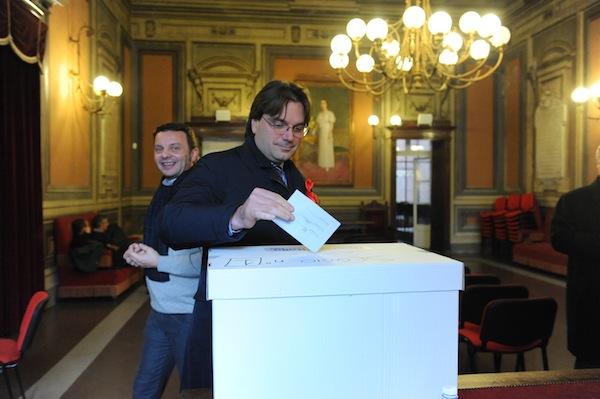 Il centrosinistra sceglie fra Bersani e Renzi