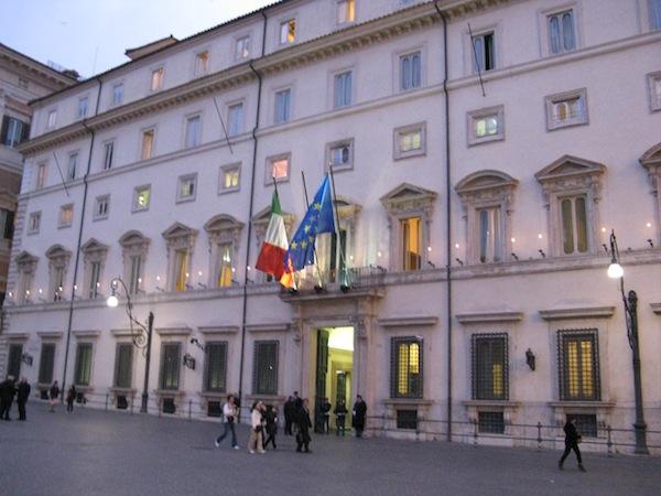 Governo, prossimo premier: sale la quota per Bersani