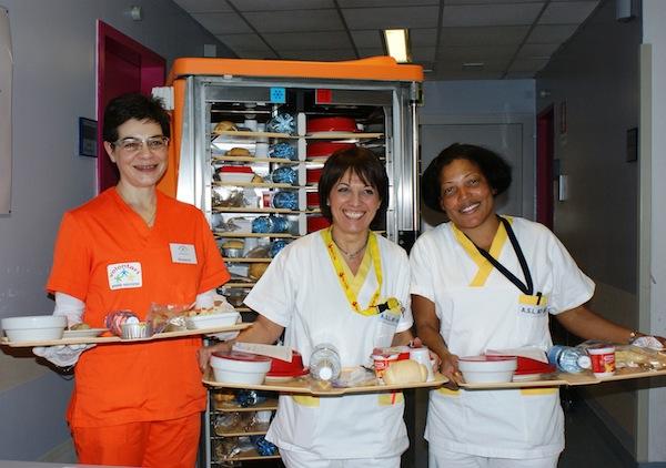 """""""Buon appetito"""": al Pronto Soccorso di Asti i volontari servono anche il pranzo"""