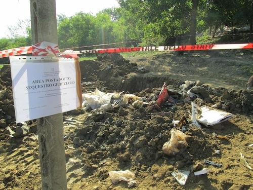 Discarica abusiva sepolta in un campo di Monastero Bormida