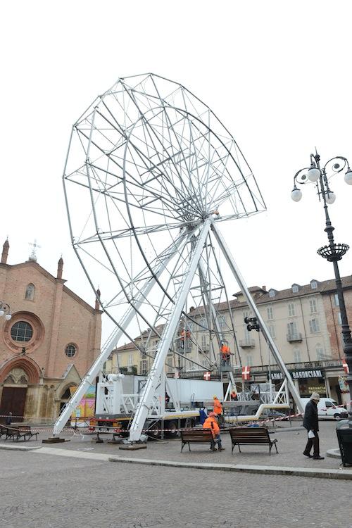 Ad Asti la ruota panoramica più alta d'Italia