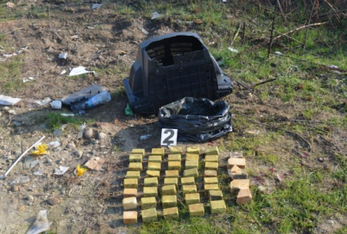 I carabinieri repcurano 11 kg di Tritolo lungo il Tanaro
