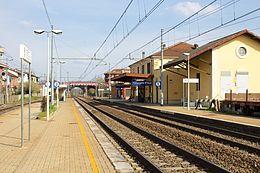 Immigrati clandestini nascosti in un treno a Villanova d'Asti