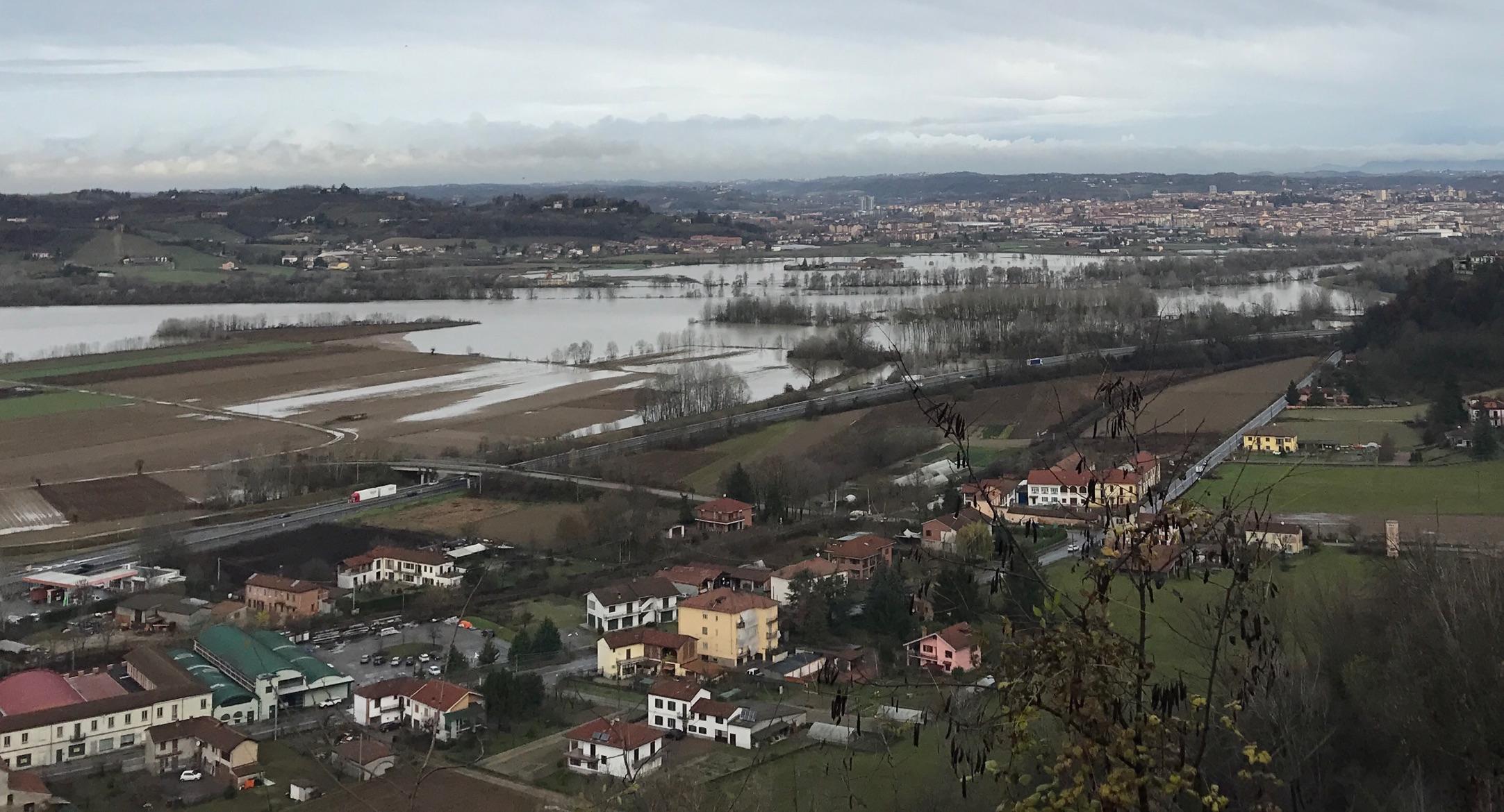 Asti, i volontari Ana in piazza per parlare dei rischi dell'alluvione