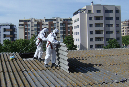 Quelli che aspettano il 27 e il tetto di amianto